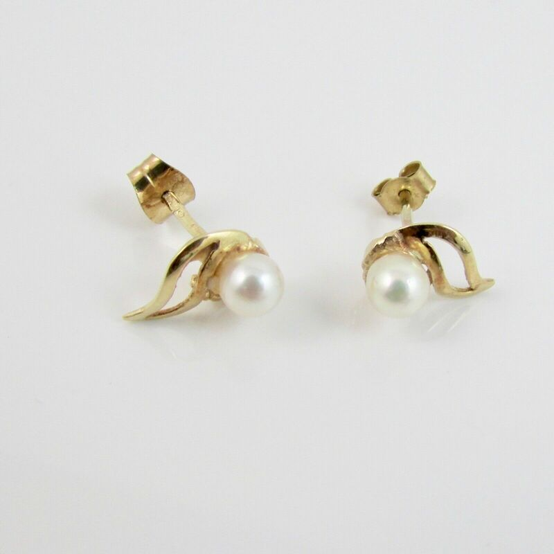 9ct Yellow Gold 373 Pearl 4mm x 4mm Stud Earrings Full Hallmark