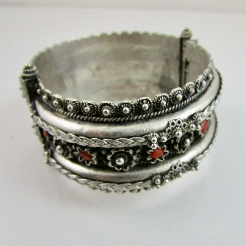 Vintage Sterling Silver Indian Designed Embossed Hinged Bangle with Coral 54.7g 2